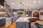 Décoration intérieure d'une grande cuisine moderne: 200+ (Photo) idées de design (rideaux, papier peint, comptoir de bar)