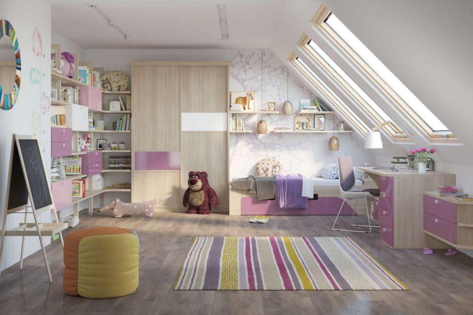 Bilik tidur untuk kanak-kanak perempuan berwarna merah jambu