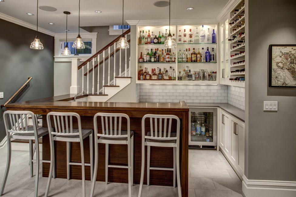 Bar yang selesa di bahagian dalam dapur