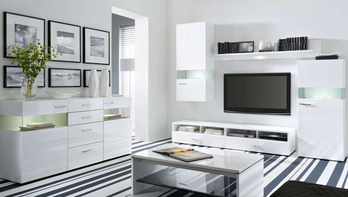Perabot mesti mempunyai permukaan yang padat.