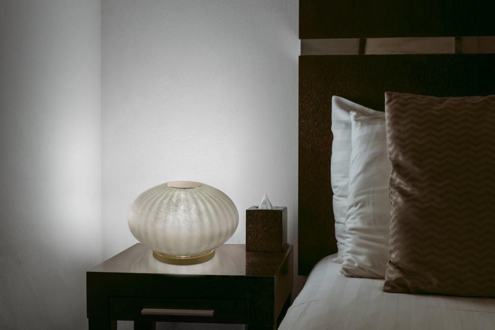 Lampu menyala untuk bilik tidur
