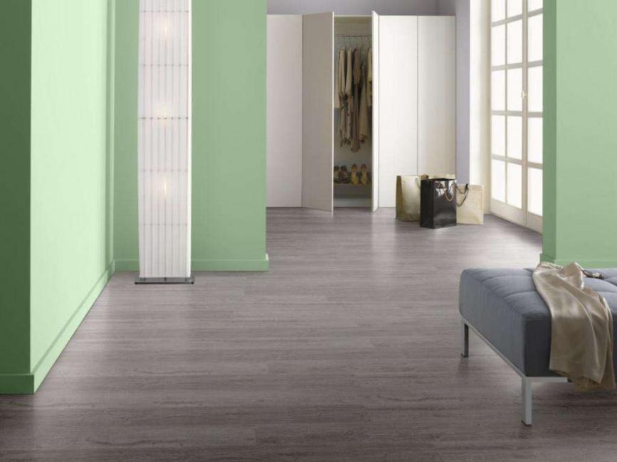 Pilih warna lantai mengikut gaya yang dipilih.