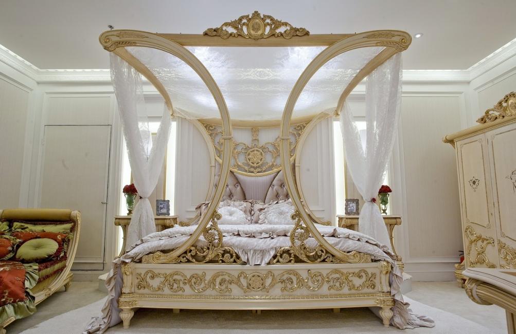 Interni romantici con zona comfort