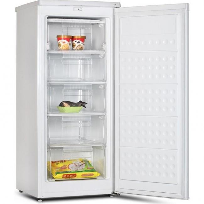 Pembekuan sempurna: Top Freezer 10 diberi nilai.Memilih model padat dan bajet (+ Ulasan)