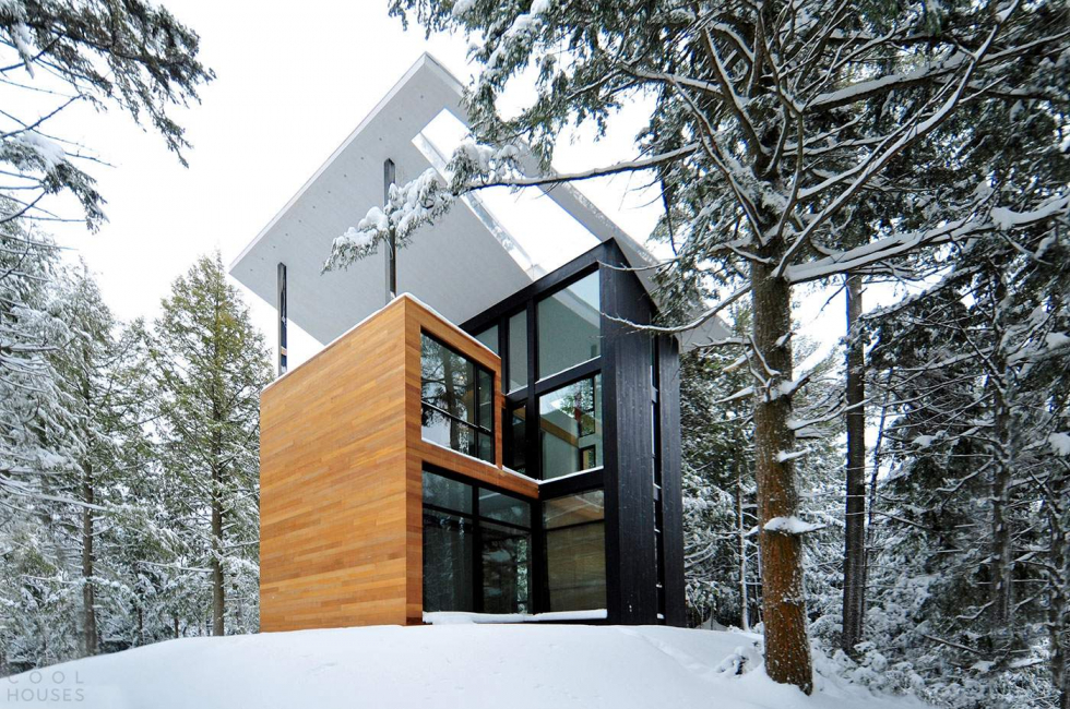 La conception de la façade n'utilise pas de couleurs vives.