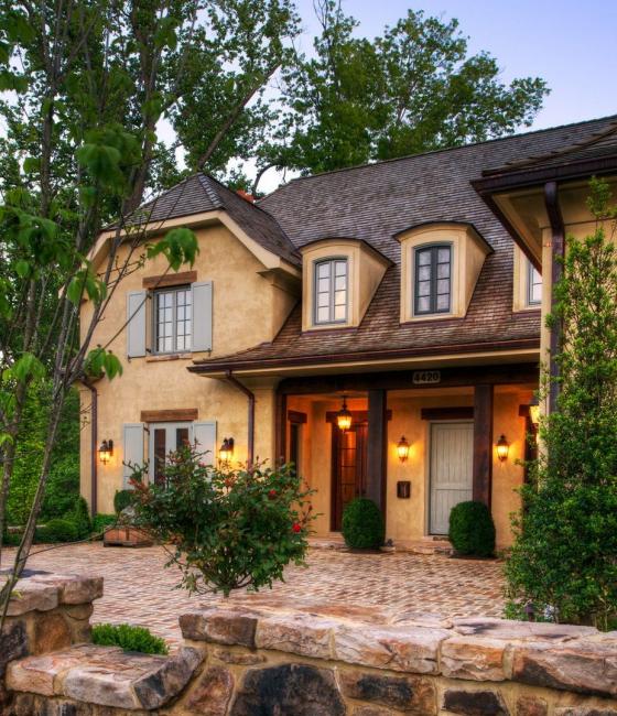 Confortable maison de style français