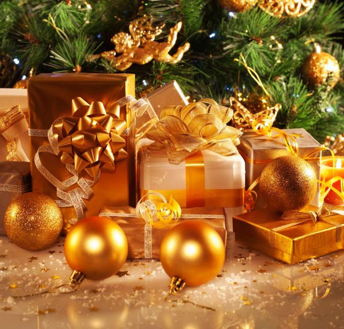 황금은 금년의 주요 색입니다.