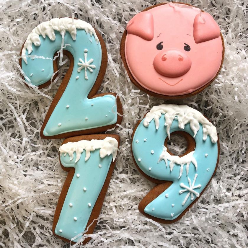 새해 축하의 그늘 : 2019 팔레트의 120+ (사진). 우리는 노랗 돼지의 밝고, 아름다운 본래 년을 만난다