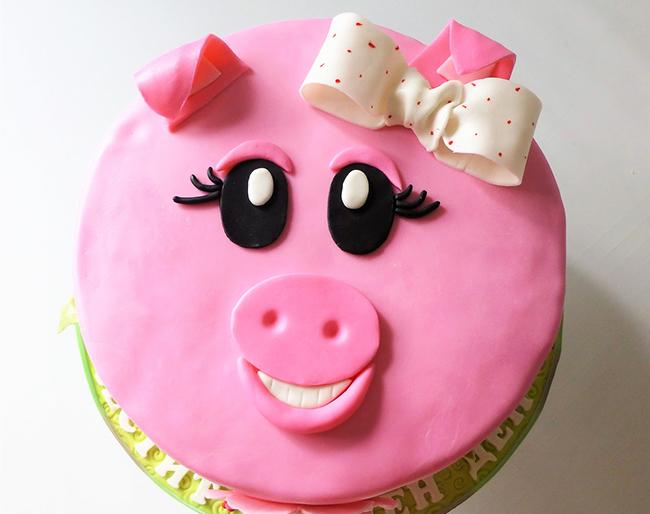 Anda boleh membuat kek dalam bentuk babi - sukar, tetapi cantik