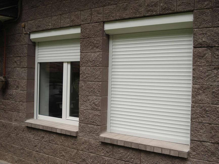 Rolling shutters mengambil ruang minimum.