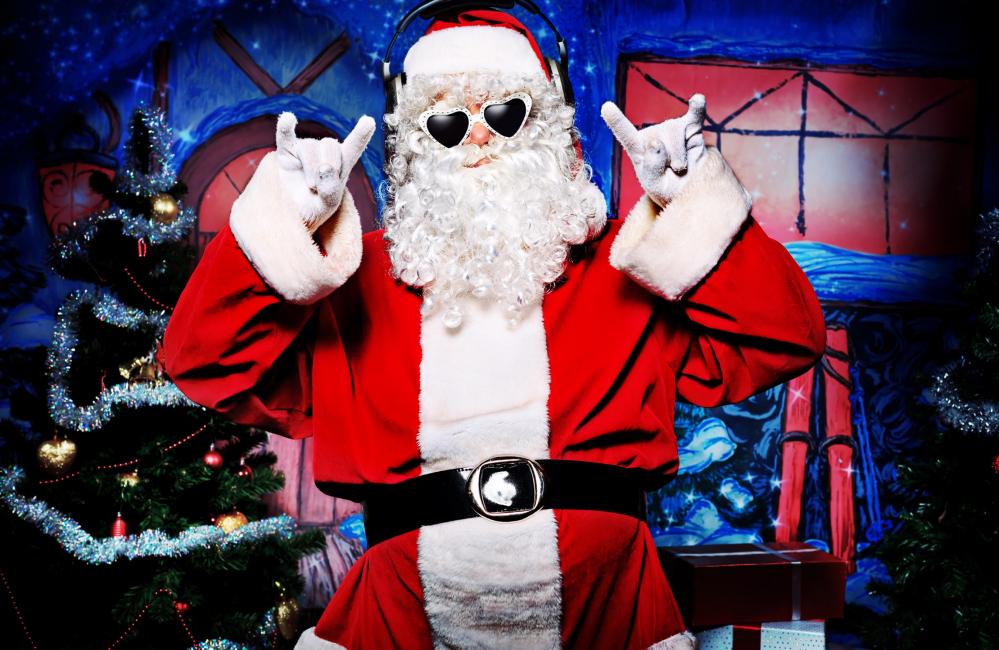 Santa Claus akan menggembirakan setiap tetamu