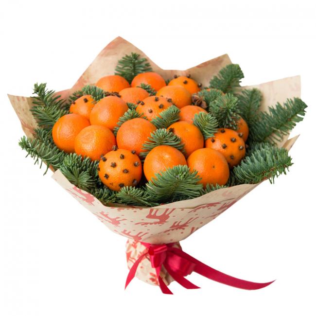 Ambiance de Noël soulève un tas de mandarines
