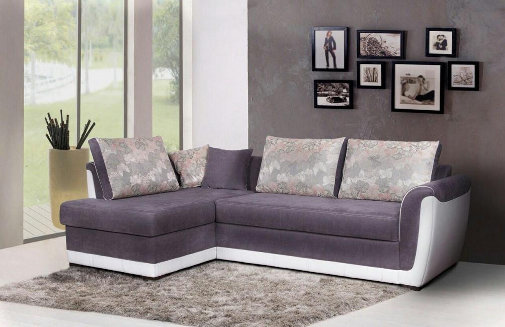 Bahagian modular boleh diletakkan sama ada secara berasingan atau sebagai kesinambungan sofa.