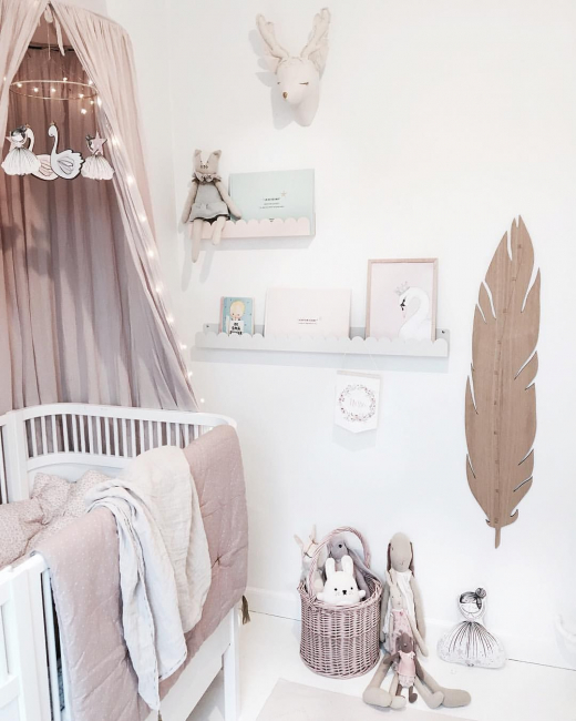 Nursery in white can be decorated with shelves or shelves