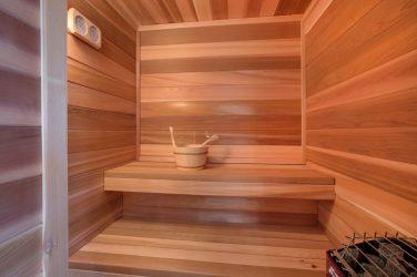 Mandi dengan mansard untuk pencinta istirahat yang baik: 230+ (Foto) Projek (dari bar, dengan teres, dengan beranda)