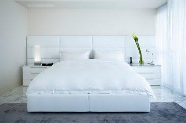 Σχεδιασμός υπνοδωματίου σε μοντέρνο στυλ (125+ φωτογραφίες) - Λευκές κουρτίνες / ταπετσαρίες / ντουλάπα.Πώς να μην το παρακάνετε με μια επιλογή;