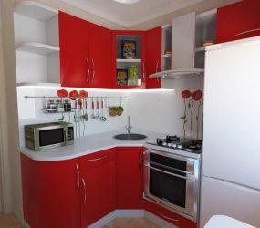 Reka bentuk dapur bersaiz kecil di Khrushchev: 190 + Gambar susun atur sebenar dan praktikal