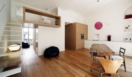 현대적인 스타일의 타운 하우스 인테리어 디자인 : 거실, 주방, 안뜰을위한 155 개 이상의 (사진) 프로젝트