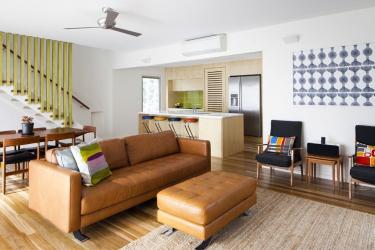 Sofa kulit di kawasan pedalaman: Apa yang perlu dipenuhi? 160+ (foto).Dari besar ke kecil. Dari putih ke hitam