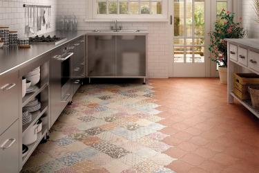 Mutfağın içindeki Fayans Patchwork: Evinizde doymuş Akdeniz motifleri (yerde bir önlük için). 110+ (Fotoğraflar) Yeni Başlayanlar İçin Adım Adım