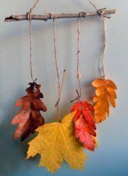 Kerajinan daun di atas selembar kertas Tangan. Apa yang anda perlu ketahui untuk mencipta aplikasi yang indah