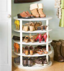 Ruang masuk dengan rak untuk kasut dan pakaian Tangan: 125+ Pilihan foto (dengan tempat duduk, dengan gantungan, dengan bangku dan bukan sahaja)