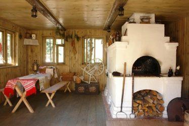 Simbiosis masa kini dan masa lalu! Asap dapur Rusia di pedalaman rumah