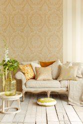Gabungan kertas dinding dan perabot di pedalaman ruang tamu / bilik tidur / dapur / nurseri. Betapa pentingnya pilihannya?