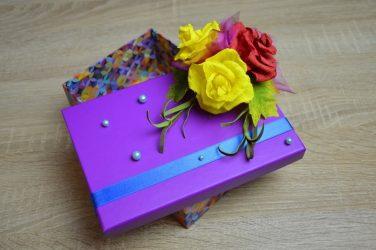 Oluklu kağıttan çiçekler kendi elinizle nasıl yapılır? 125 Fotoğraf ve 5 basit atölye çalışması