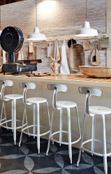 인테리어의 새로운 트렌드 : 바 의자가 인기가있는 이유는 무엇입니까? (나무, 금속, 뒷면 포함).쾌적한 숙박을위한 완벽한 솔루션 (145 개 이상의 사진)