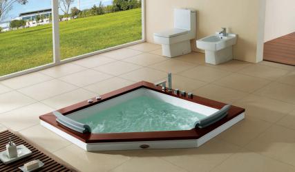 Caractéristiques de la conception d'un bain avec jacuzzi à l'intérieur de la maison et de l'appartement (120 + photo).Luxe abordable avec des avantages pour la santé. Qu'est-ce que vous devez savoir?