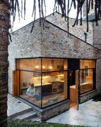 210+ Foto rumah-rumah batu yang indah (satu tingkat / dua tingkat). Menghadapi facades dengan tangan mereka sendiri