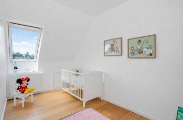 Betapa indahnya untuk menghiasi bilik, pangsapuri atau rumah untuk hari jadi kanak-kanak dengan tangan anda sendiri? 180+ Foto Holiday Keluarga