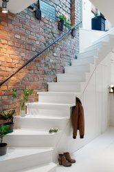 290+ Foto pilihan yang indah untuk tangga ke tingkat dua di sebuah rumah persendirian (kayu, logam, konkrit)