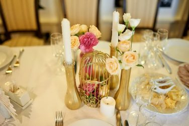 Membuat dewan untuk perkahwinan yang tidak dapat dilupakan Tangan (210+ Foto) Sekali dan untuk semua kehidupan!