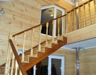 Завършване на стълбите в частна къща: Най-популярните идеи (ламинат, плочки, камък). Избираме само практически и надеждни материали (160+ снимки)
