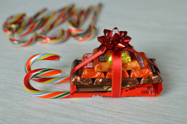 Exclusive and tasty ideas: Gifts from sweets do-it-yourself. 90+ (Photos) of Sweet and Original Crafts for the New Year 2019. 7 light workshops