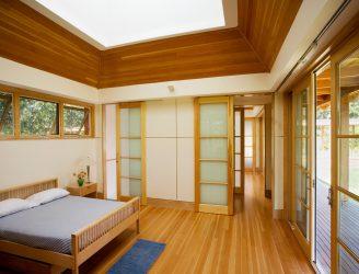 Yatak odasında gardırop: hayallerinizin gardırobunu bulun. En alakalı ve pratik modeller