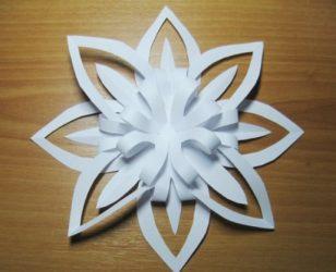Kertas salji kertas mudah dan tebal DIY: 75+ Foto dengan arahan Langkah demi langkah. Kami menghias rumah untuk percutian (+ Ulasan)