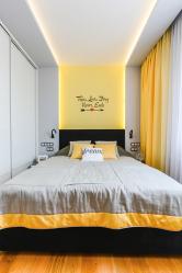 Στενή κρεβατοκάμαρα: Σχεδιαστικές επιλογές. Όλες οι λεπτότητες της βέλτιστης τοποθέτησης (115+ Φωτογραφίες)